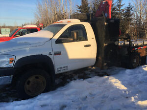 Dodge 5500 SLT Picker Truck
