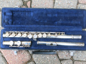 Selmer Flute Model FL-302 - plays perfect, no issues!