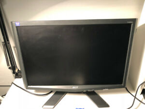 Acer 19'' computer monitor – 20$