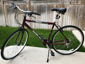 Men's Norco hybrid bike in excellent condition