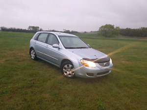 08 Spectra5 Hatchback, 129k, new tires, 45 MPG