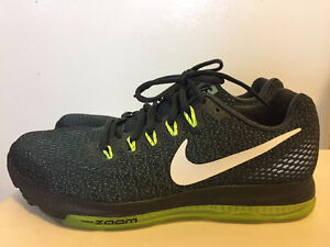 NIke zoom all out low- size 8.5