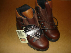 New Merrell water and snow proof women boots (REDUCED)