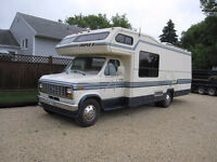 1990 Ford E350 Triple E 28 Ft fiberglass motor home
