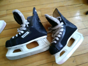 ICE SKATES CCM BAUER ROLLERBLADE LOOK PICTURES AND DESCRIPTION