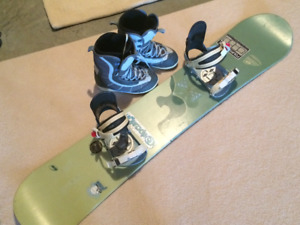 Women's Limited Snowboard, Preston Bindings and Ride Boots