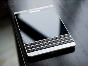 Mint Condition Blackberry Silver Edition with Accessories