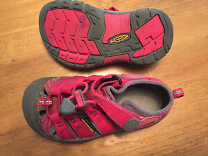 Kids Keen Shoes- lightly used