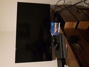 40 INCH LED TV & PS4 WITH 5 GAMES $800 obo