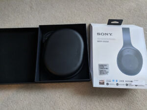 Sony MDR-1000X Noise Cancelling Headphones with All accessories