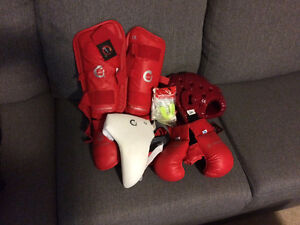 Kids karate sparring equipment size small