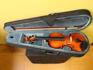 4/4 Violin Full Sized