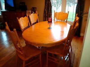 Dinning Table with 6 High Back Chairs
