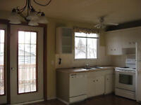 BRING YOUR FURRY FRIEND!!! 3 bed townhouse for only $1150!