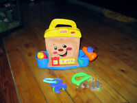 SAC À OUTILS MUSICAL AVEC ACCESSOIRES FISHER-PRICE