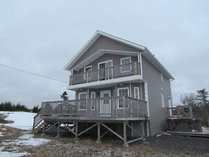 Priced for Winter sale ! Country cottage Brigus Junction ..