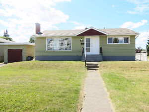 House in central area on bus route to UNBC & CNC and Downtown!!!