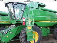 John Deere T670 combine, low hours clean unit 845 eng/590 sep hr
