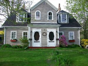 3 bdrm  Downtown Dartmouth.  Avail June 1.  Utilities included