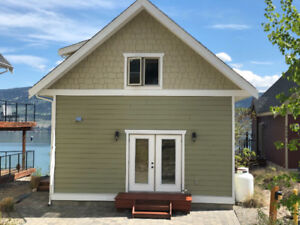Cottage with spectacular lake view, sleeps 6