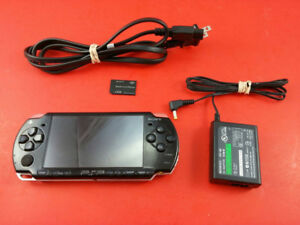 PSP 2000 Slim w/ CFW - PLAYS FREE DOWNLOADABLE GAMES !