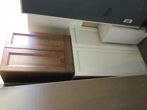 Kitchen/bathroom cabinets
