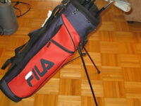 JUNIOR RIGHT HANDED FILA  GOLF CLUBS WITH BAG