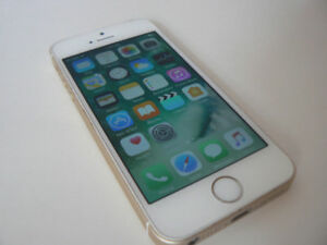 iphone SE 16gb Factory UNLOCKED Rose gold 10/10 condition