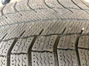 Winter tires Michelin x-ice-216/65R17. Good tread good tires.
