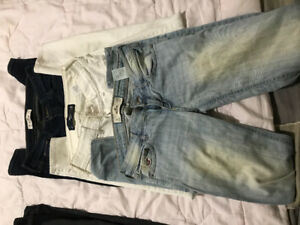 Hollister jeans (3 pairs)