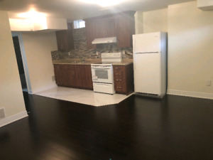 1 bedroom basement apartment walk to UBC 975$ a month