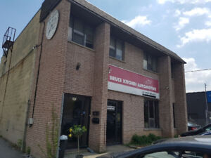 600 Sq. Ft. Office Space - $975 Includes TMIs and Utilities