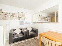 2 bedroom flat in Roman Road, Bow E3