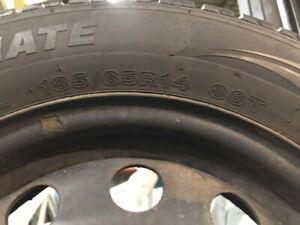 pneus d'hivers 185/65 R14 avec jantes