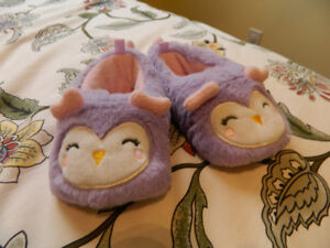 """Toddlers """"owl"""" slippers"""