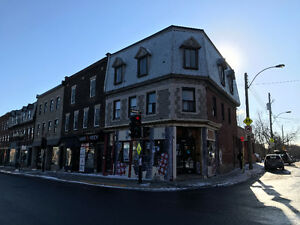 Corner Building St-Henri Notre Dame Restaurant Space For Rent!!