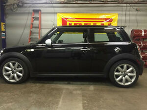 2010 MINI Mini Cooper S NOTHING WRONG WITH THIS MINI