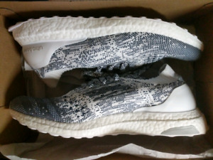 Adidas ultra boost uncaged size 11 worn once