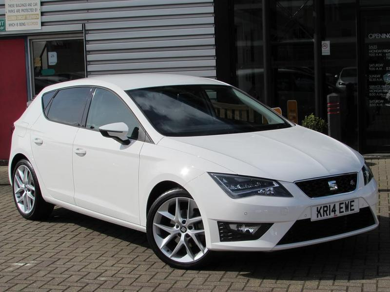 seat leon 2 0 tdi fr 5 door dsg technology pack full service history white 2014 in. Black Bedroom Furniture Sets. Home Design Ideas
