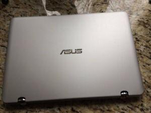 "ASUS Q304UA 13.3"" Touchscreen Laptop"