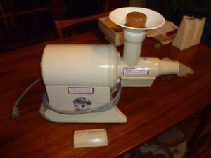 Champion Juicer used very little