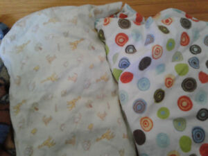 2 Pack n play sheets