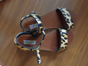 Steve Madden leopard print sandals (size 8.5, also fits 8)