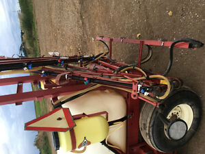 REDUCED HARDI 42 FOOT BOOM AND CONTROLS REDUCED London Ontario image 6