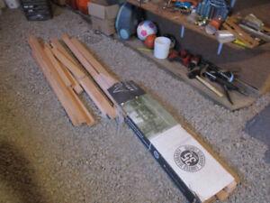 Paquet de planches de bois franc
