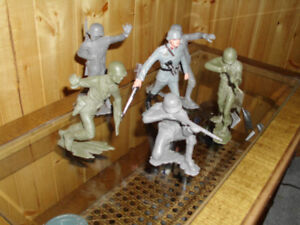 collectible toy soldiers - large variety, 60s vintage, mint