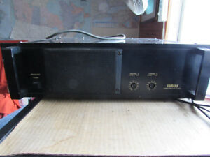 Yamaha Professional Power Amplifier P2250C