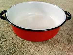 Vintage enamelware saucepan Kitchener / Waterloo Kitchener Area image 1