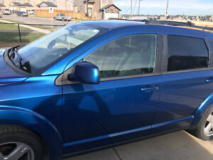 2010 DODGE JOURNEY SXT WITH FULL TOW PACKAGE, NAV, BACK UP CAMER