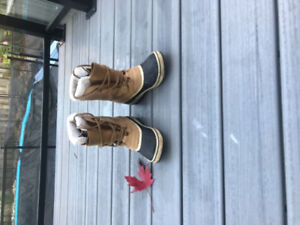 Only worn a couple of times sorel women's boots
